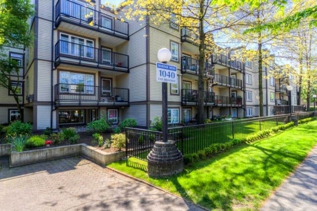 Mariner Mews   --   1040 EAST BROADWAY, VANCOUVER  - Vancouver East/Mount Pleasant VE #1